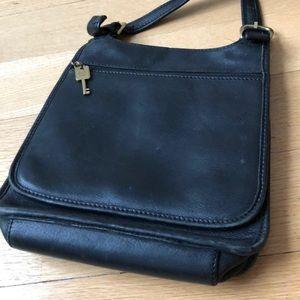 🎉HP🎉 Fossil black crossbody bag